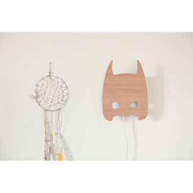 april_eleven_batman-lamp_800_2