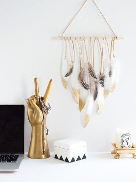 DIY-Feather-Wall-Hanging1