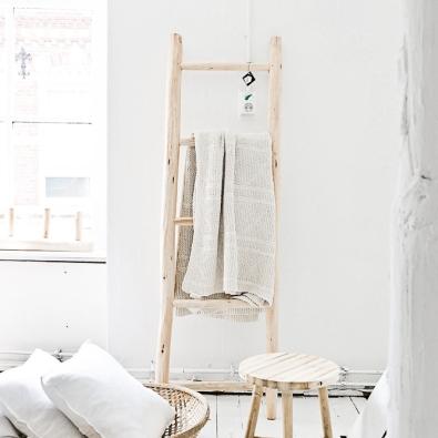 dossier diy 15 diy pour un salon scandinave. Black Bedroom Furniture Sets. Home Design Ideas