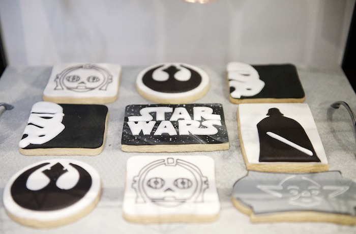 Geo-Copper-Monochromatic-Star-Wars-Party-via-Karas-Party-Ideas-KarasPartyIdeas.com25