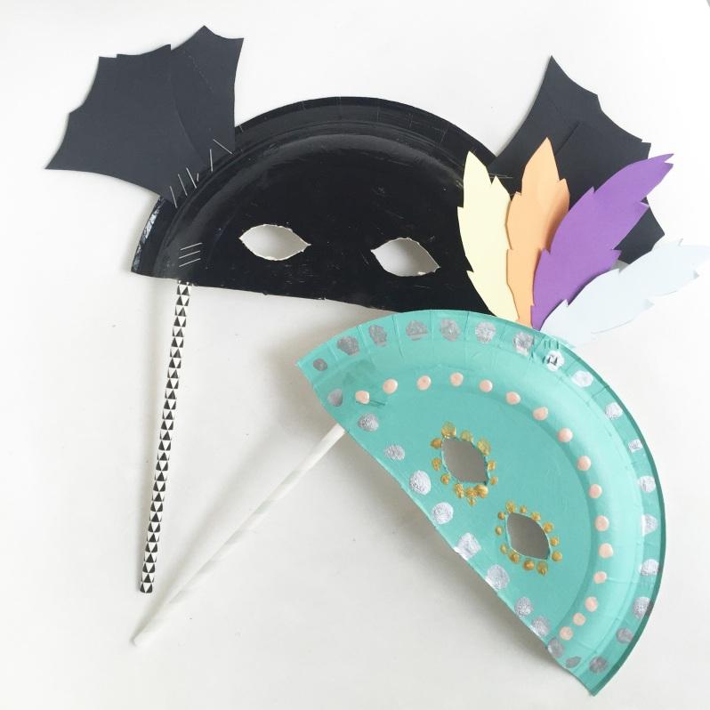 diy 15 mod les de masques r aliser avec des assiettes. Black Bedroom Furniture Sets. Home Design Ideas