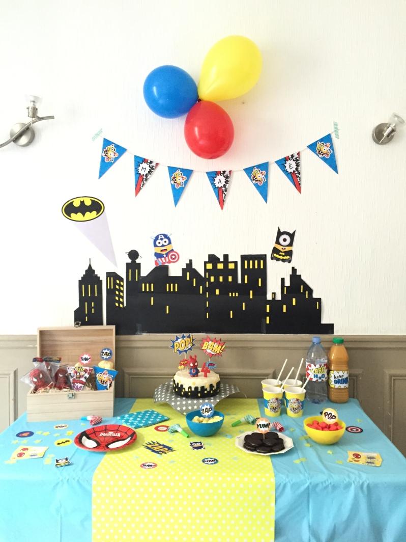 {Party } 4 ans et des supers héros!