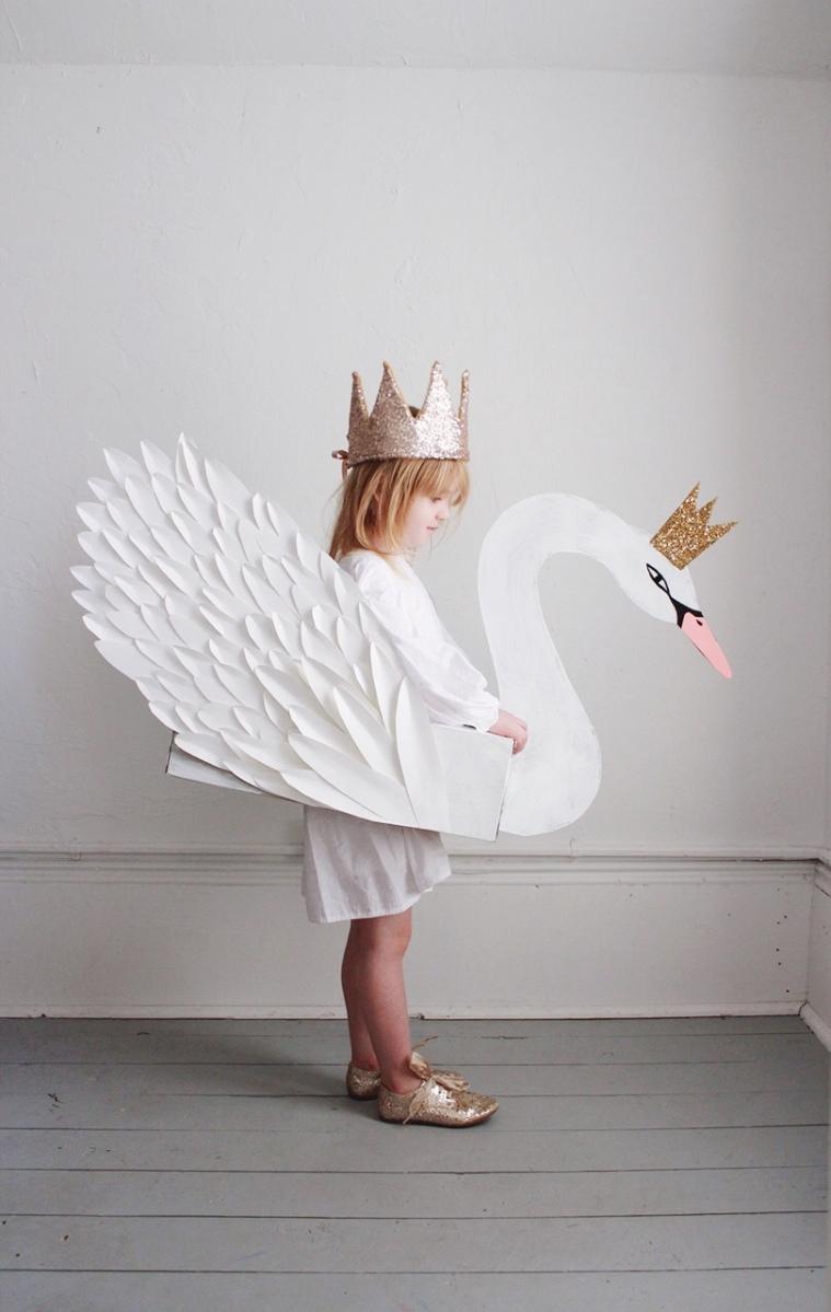 {DIY} 20 déguisements à fabriquer en carton !